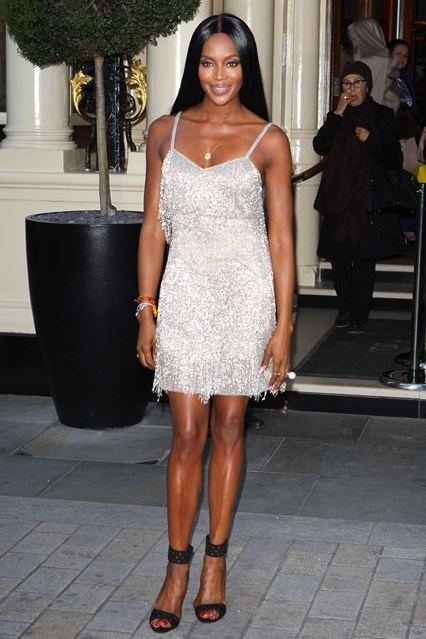naomi-campbell-vogue-30apr14-rex_b_426x639