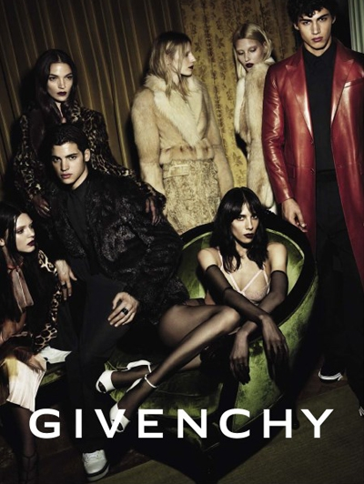 Kendall-Jenner-voor-Givenchy-a-w-2014_reference