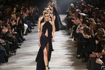 defile-createur-alexandre-vauthier-pendant-fashion-week-2013-a-paris-1203853-616x380