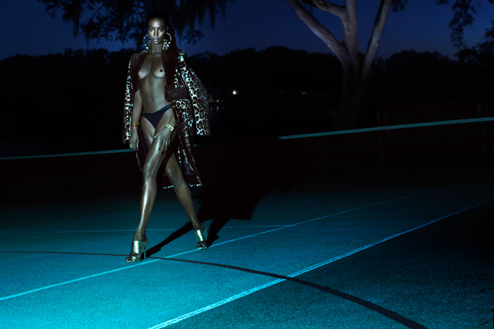 naomi-campbell-topless-interview-magazine-02