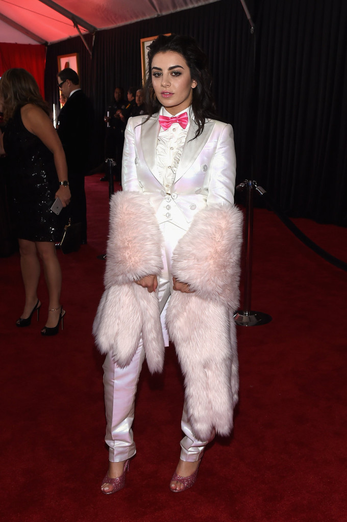 charli-xcx-grammy-2015-red-carpet