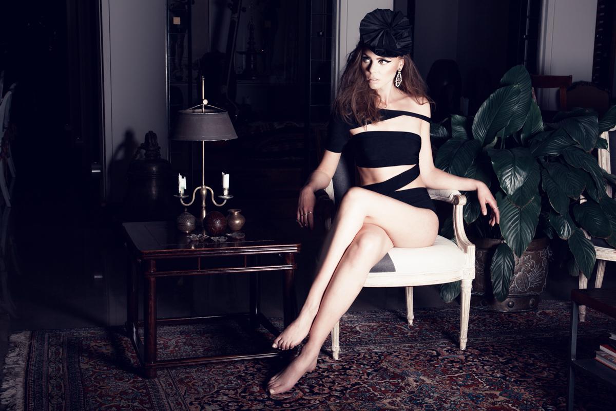 Hat: OPHélie / Hat Bodysuit: g2g BOutik / Earrings: SHAlS / Rings: SHAlS