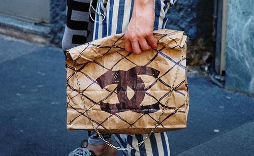 chanel-counterfeit-fake-fashion-funny-hand-bag-Favim.com-64030