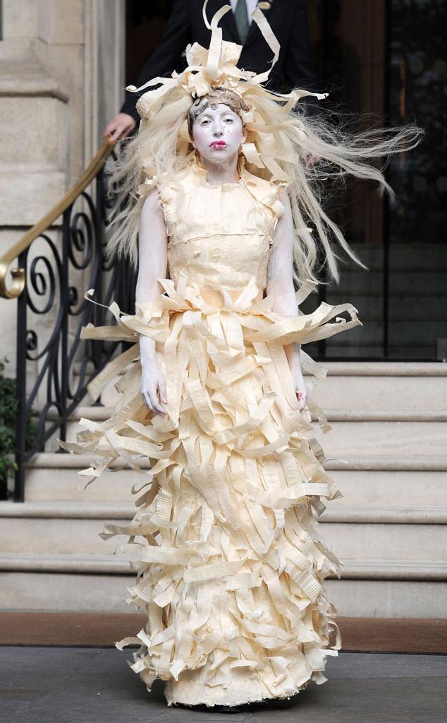 rs_634x1024-131028093721-634-Lady_Gaga-halloween-jc