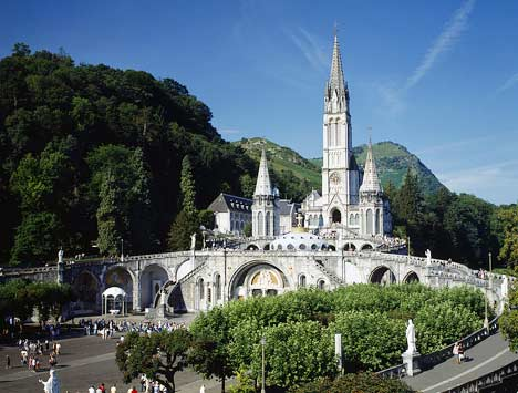 © http://chiesaviaggi.it/viagginbus/lourdes/